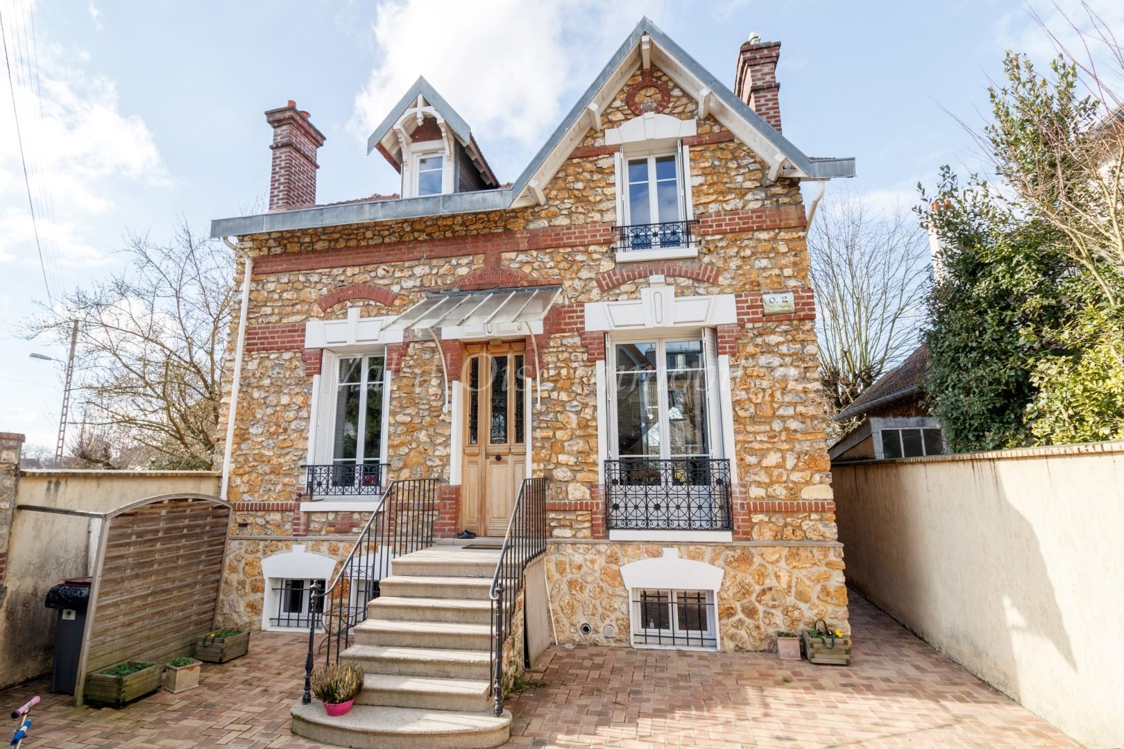 Maison 7 Pièces – Taverny Vaucelles – EXCLUSIVITE